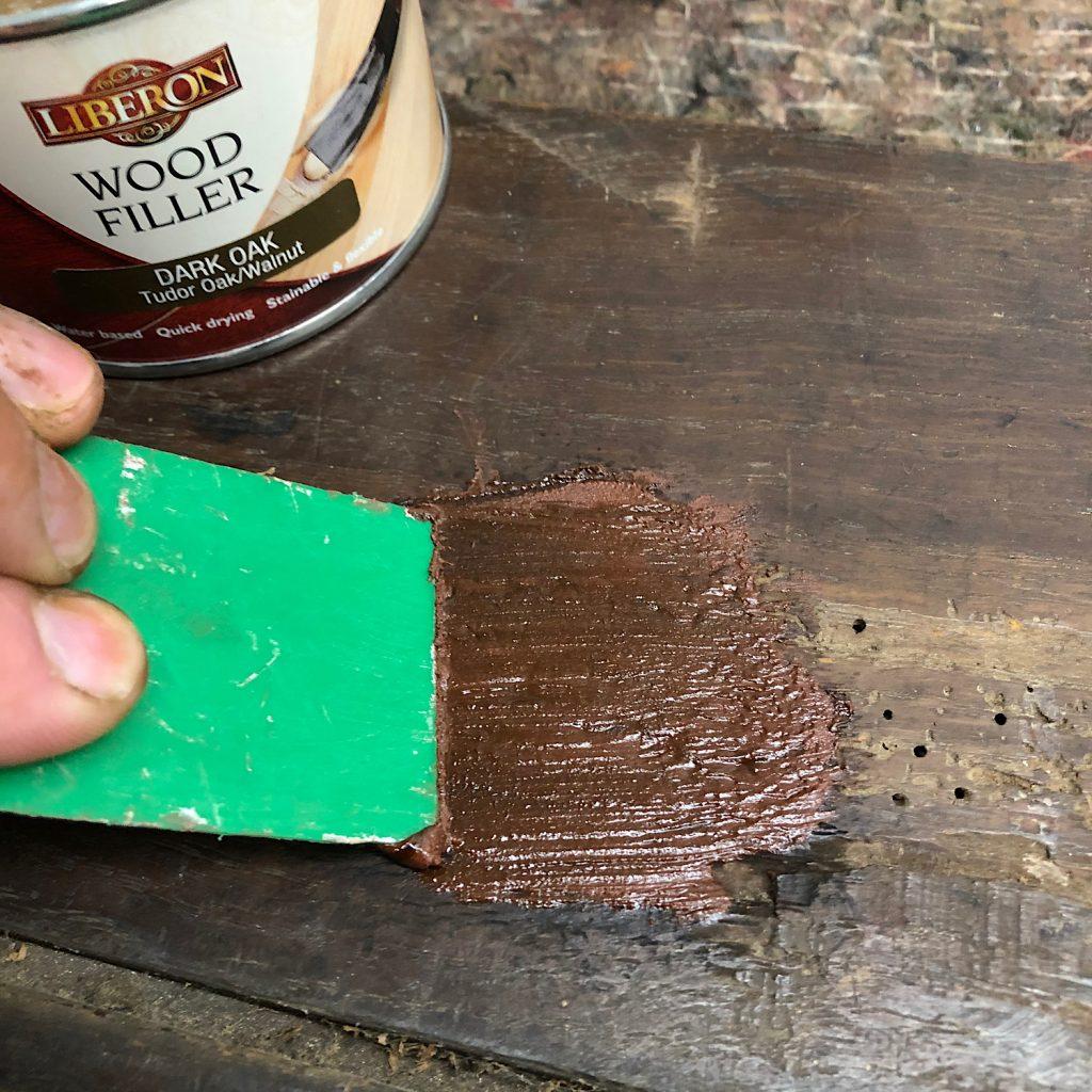 Applying Liberon Wood Filler