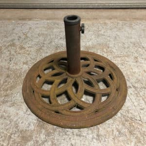 cast iron umbrella stand before cleaning