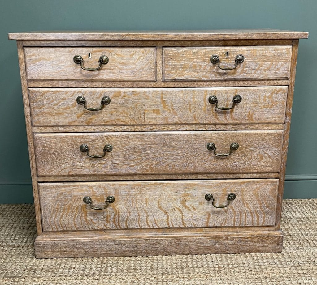 How to Lime Wood - Finished Oak Chest